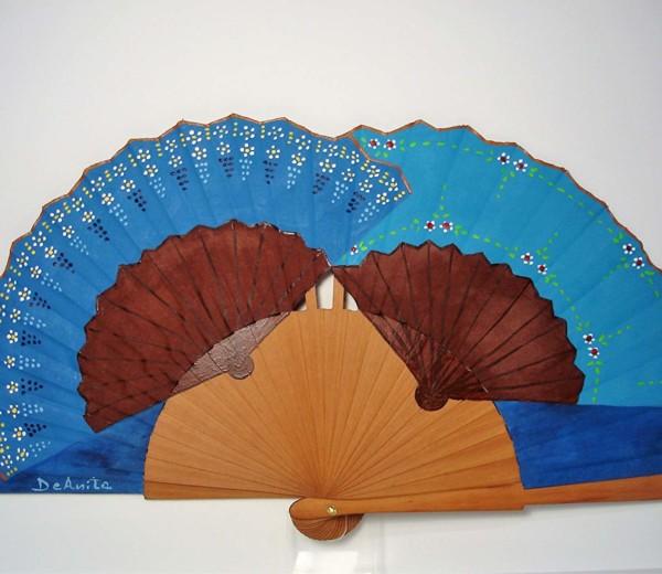 Dúo de abanicos en azul